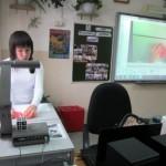 ММО учителей начальных классов_май 2013_Белолюбская А.Д. проводит мастер-класс по работе с документ-камерой_СОШ №1